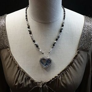 Jewelry - Heart Shaped Necklace w/floating charms